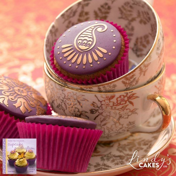 mehndi cupcakes by Lindy Smith