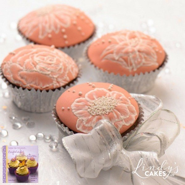 peach wedding cupcakes by Lindy Smith