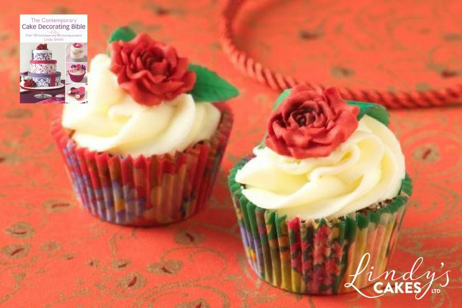 roses-are-red-cupcakes-from-lindy-smiths-contemporary-cake-decorating-bible-book