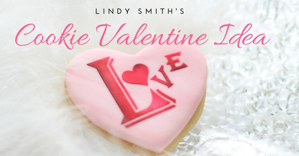 Decorate a cookie for Valentine's